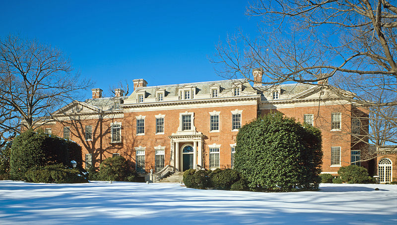 800px-dumbarton_oaks_-_house_photo_with_snow