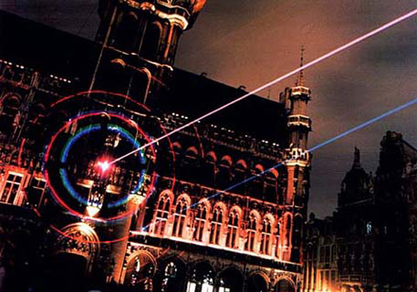 laser-art-performance-in-brussels